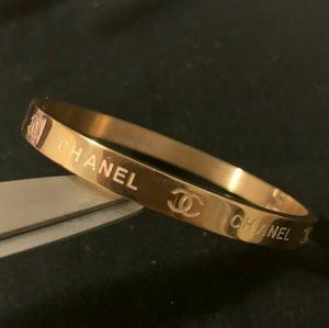 Super cute and chic bracelet 💞💞💞💞💞